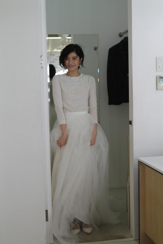 ファッション界も注目するit Girl 女優・佐久間由衣がウェディングドレス姿を披露!