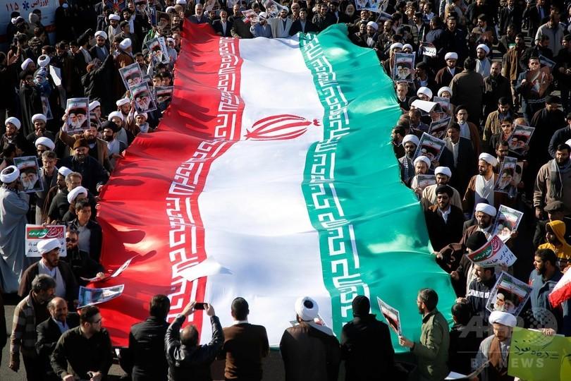 イラン軍司令官、「暴動の終結」を宣言