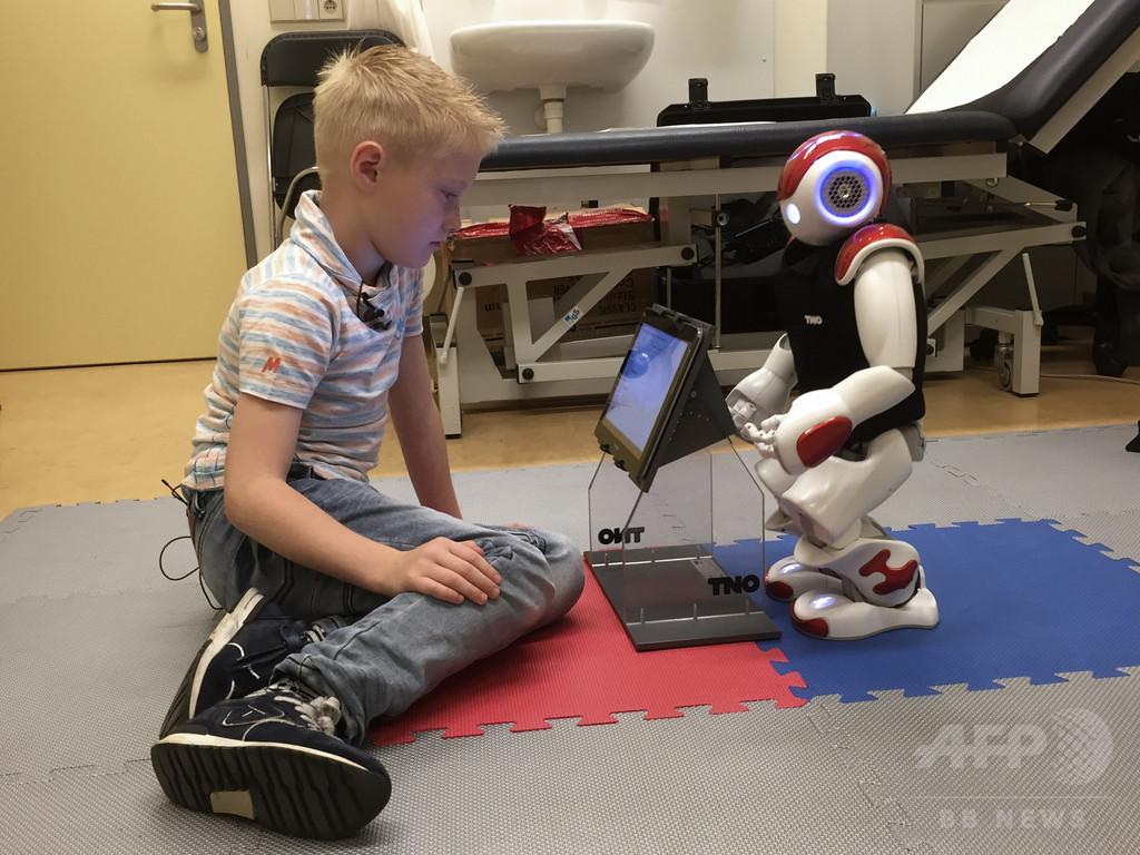 小児糖尿病児の頼れるおとも「チャーリー・ロボット」、オランダ