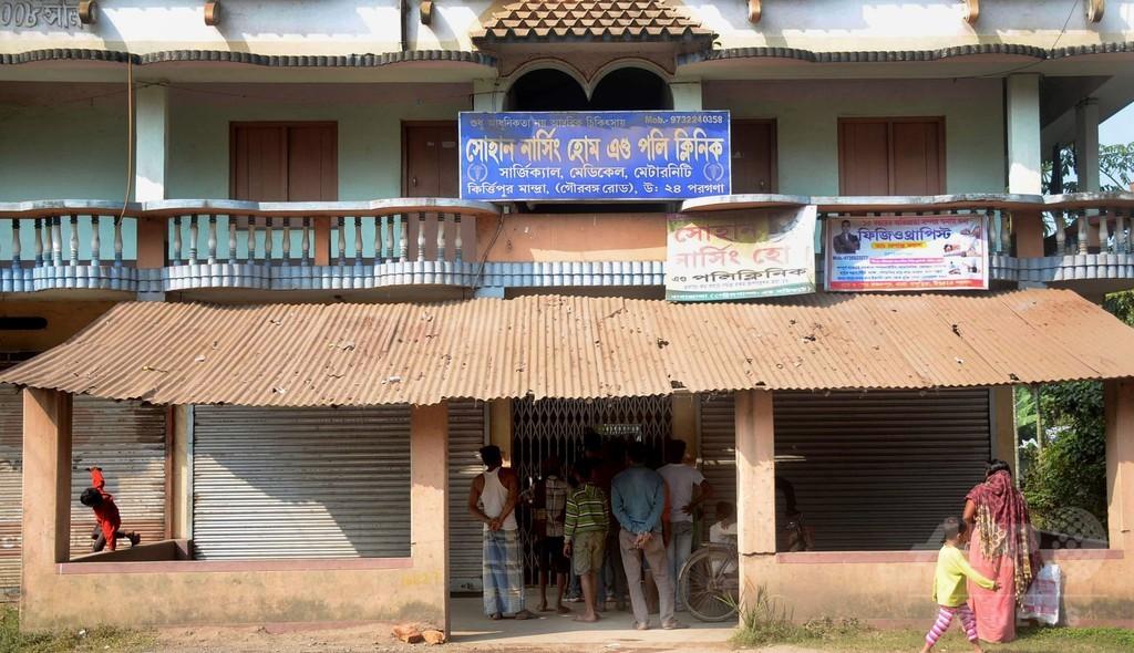 新生児をビスケットの箱に入れて人身売買、12人逮捕 インド