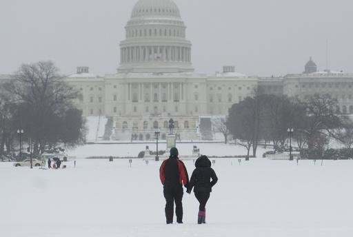 米東部に「スノーマゲドン」襲来、大雪で事故など相次ぐ