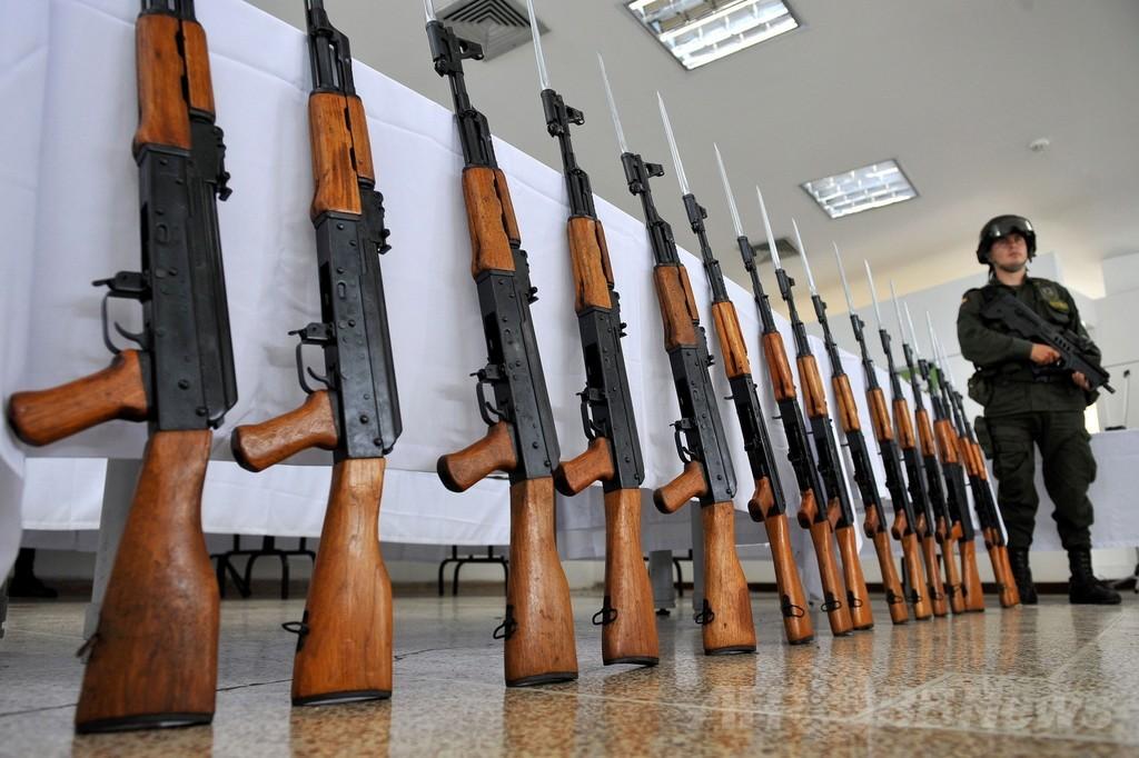 AK47の設計者、カラシニコフ氏死去