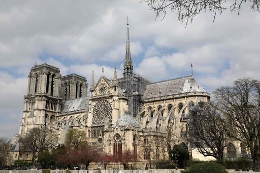 過去にも復活したノートルダム大聖堂、仏歴史学者が語る