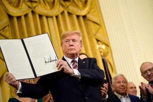 トランプ氏、ユダヤ教を国籍と認める大統領令に署名 ボイコット運動に対抗