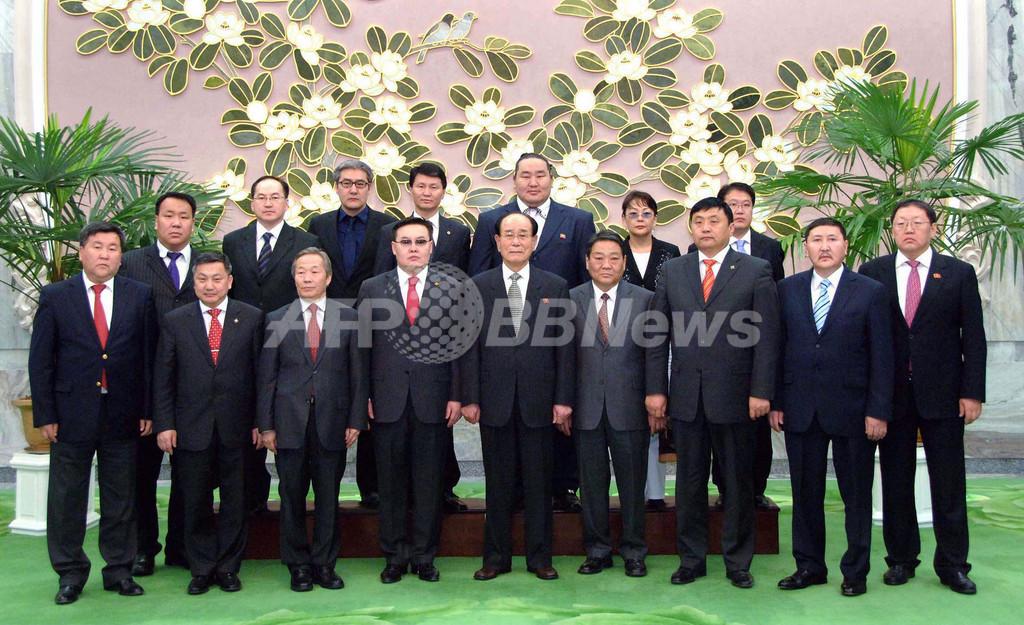 朝青龍が北朝鮮を訪問