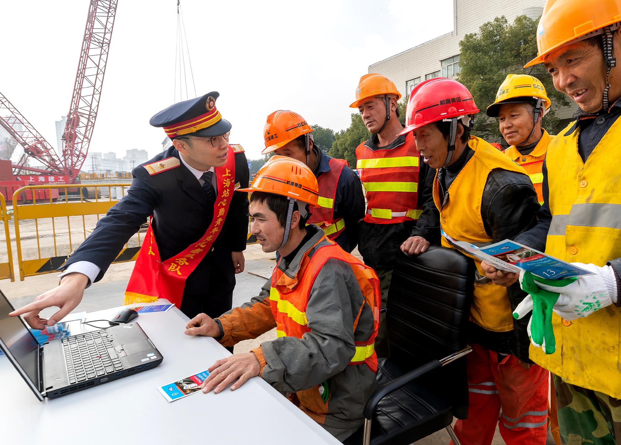 農民工の賃金未払い問題解決に「条例」打ち出す 中国国務院常務会議