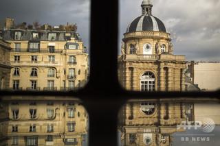 北朝鮮のためにスパイ活動か、フランス上院の公務員拘束