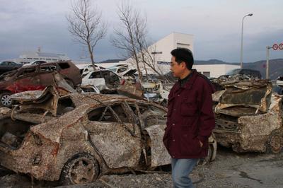 東日本大震災、遺族の心情を思いやる捜索者たち