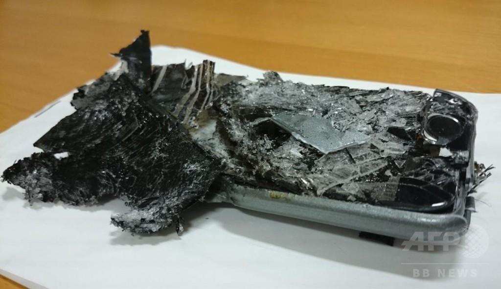 豪航空機で携帯電話の発火事故、当局が報告書