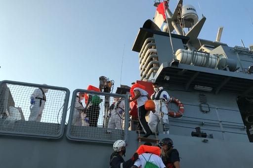 EU6か国、地中海上で待機する移民356人の引き受けに合意