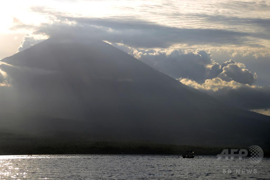 バリ島で小規模地震が頻発、約50年ぶりの噴火可能性に警戒高まる