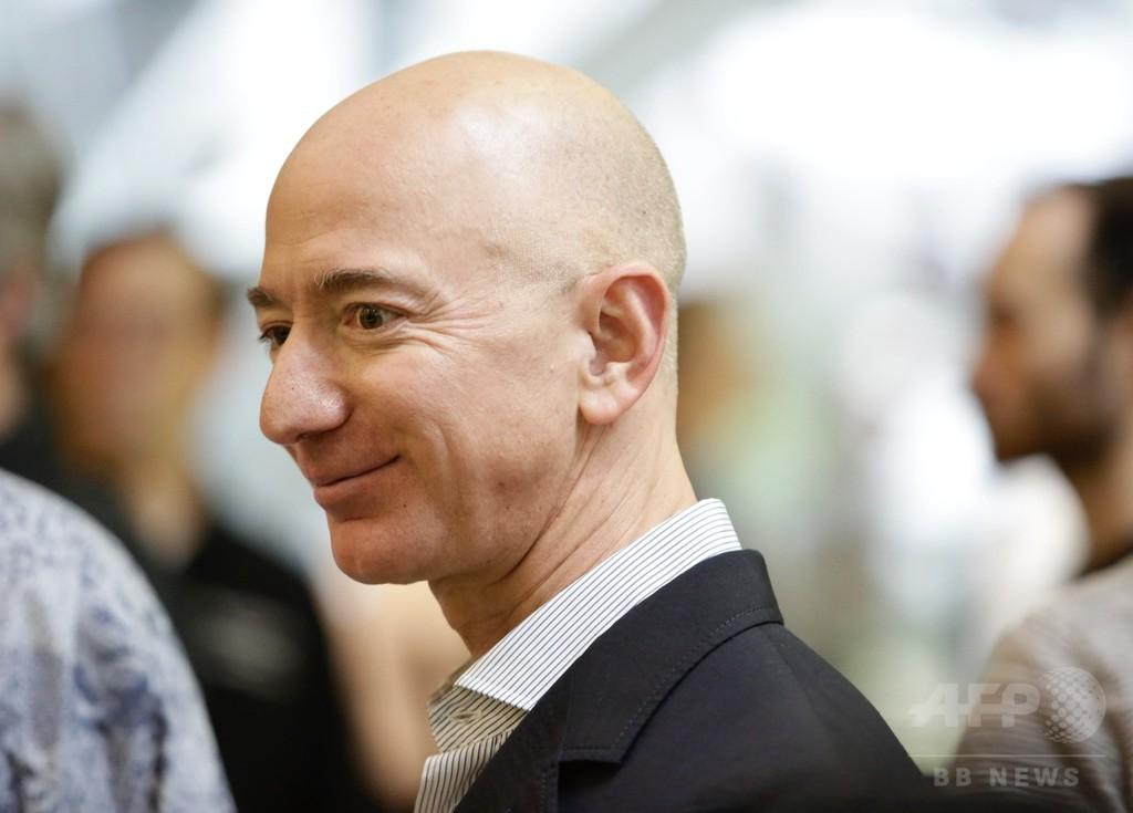 米アマゾンのベゾスCEO、純資産17兆円に 過去数十年で最高額