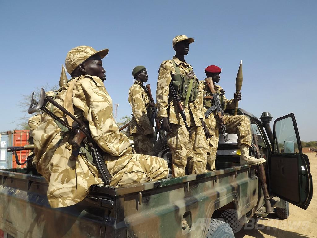 南スーダン政府と反乱軍側、隣国...