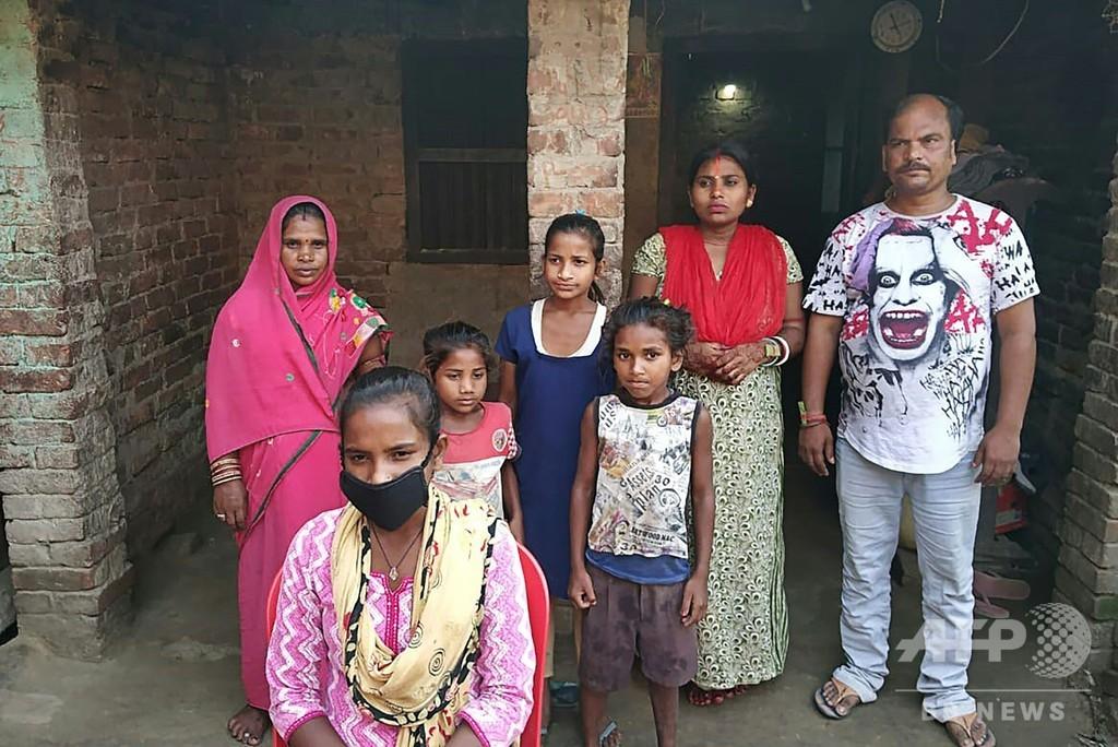 父親乗せて自転車で1000キロ超走破、15歳少女にインド代表のトライアル打診