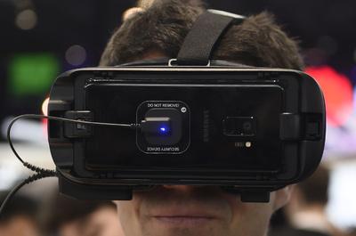 大リーグの剛球を自宅の居間で、VR革命へ加速するスポーツ業界